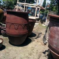 Teracotta pottery go to India..